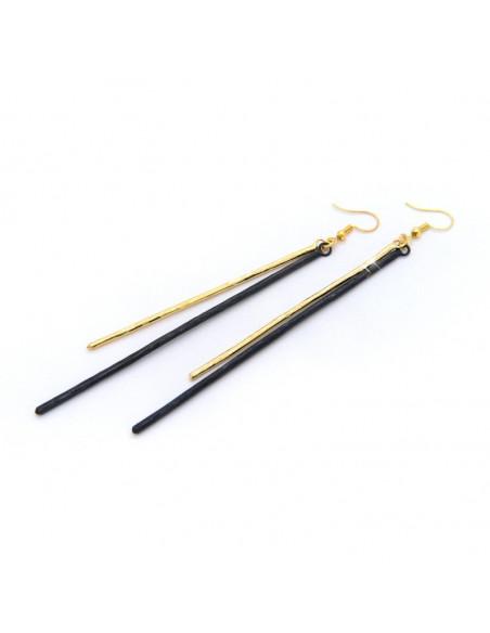Lange Ohrringe aus handgefertigter Bronze gold schwarz STAB