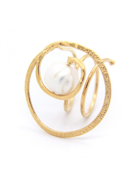 Handmade ring from rose gold plated bronze with freshwater Pearl SPRE
