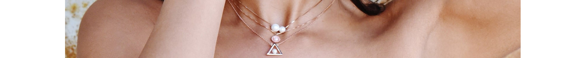 Pearl Necklaces | Timeless elegance - Online at BIJOU BOX